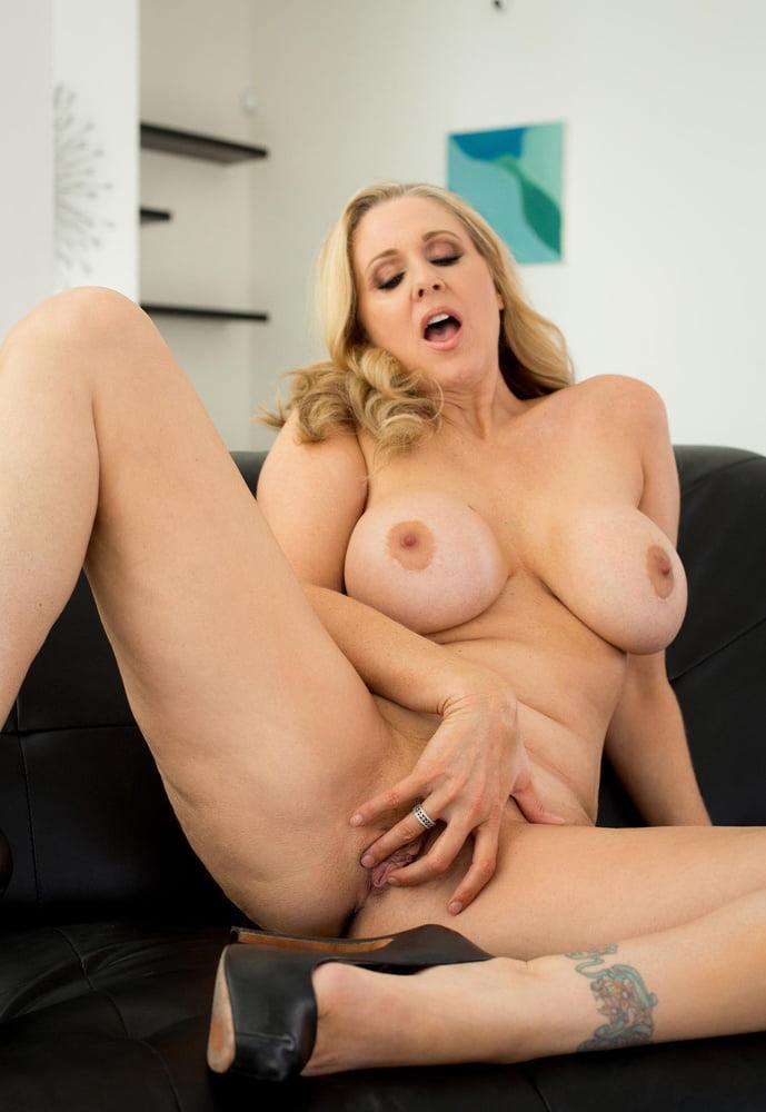 Julia Ann 8