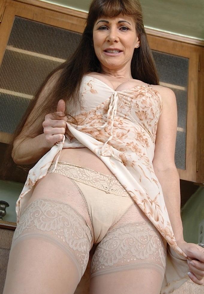 High waist mature women sexy panties manufacturer