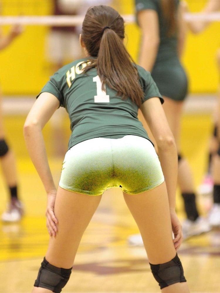 jailbait-blow-volleyball-spandex-camel-toe-naked-women