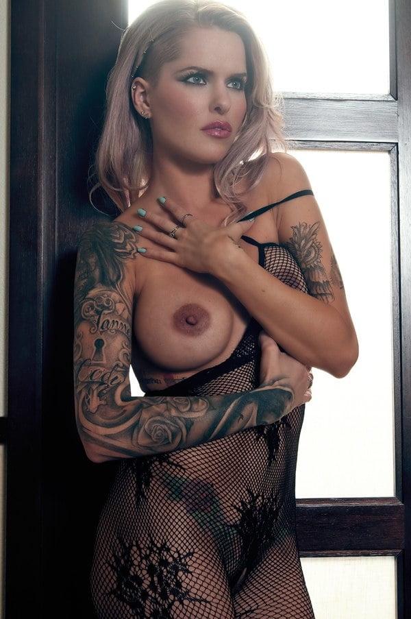 Miranda lambert sexy, topless nude photos images