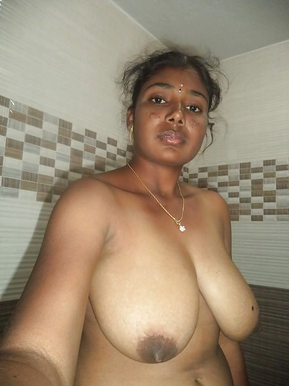 Mallu aunty ke bade nange boobs