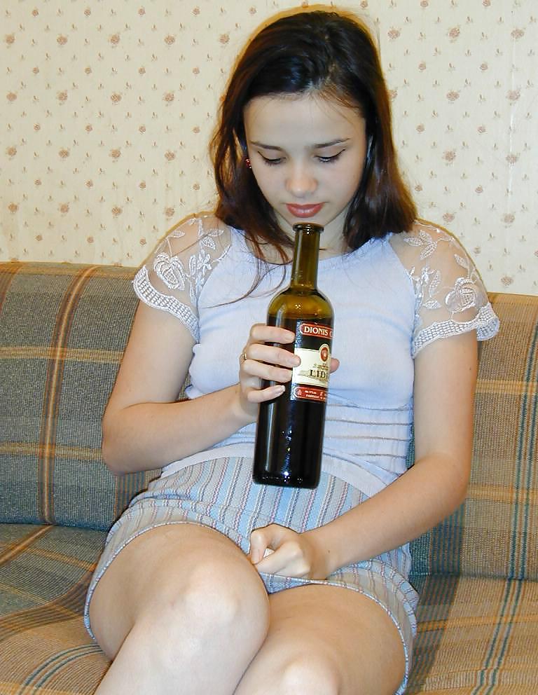 Бутылка В Пизде Девчонки