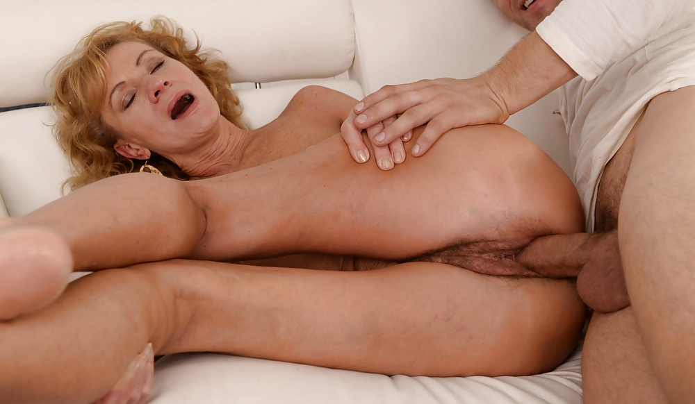 Screaming mature porn