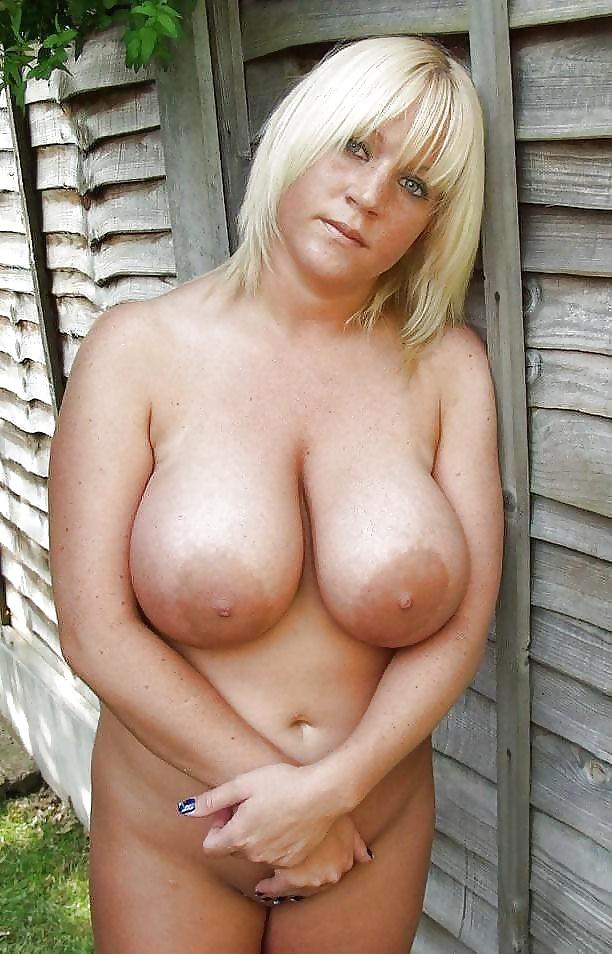 прямо зрелые русские бабы с седьмым размером груди гладил довольно