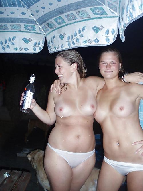 Фото моя голая жена застигнутая врасплох видео актрисы сальма