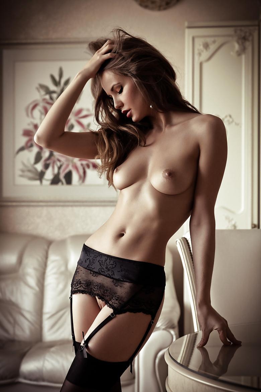 Фото снг эротика, смотреть порно парни в клубе напоили девушку и притащили домой