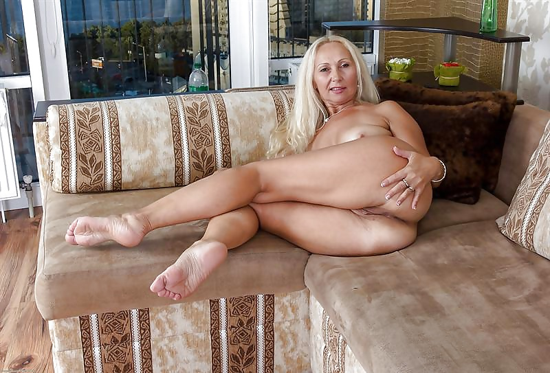 Free Legs Mature Pictures Collection