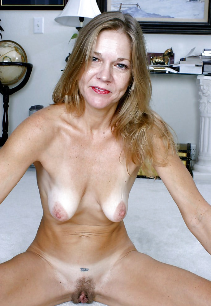 mature-empty-saggy-tits-free-hairy-pussy-moms