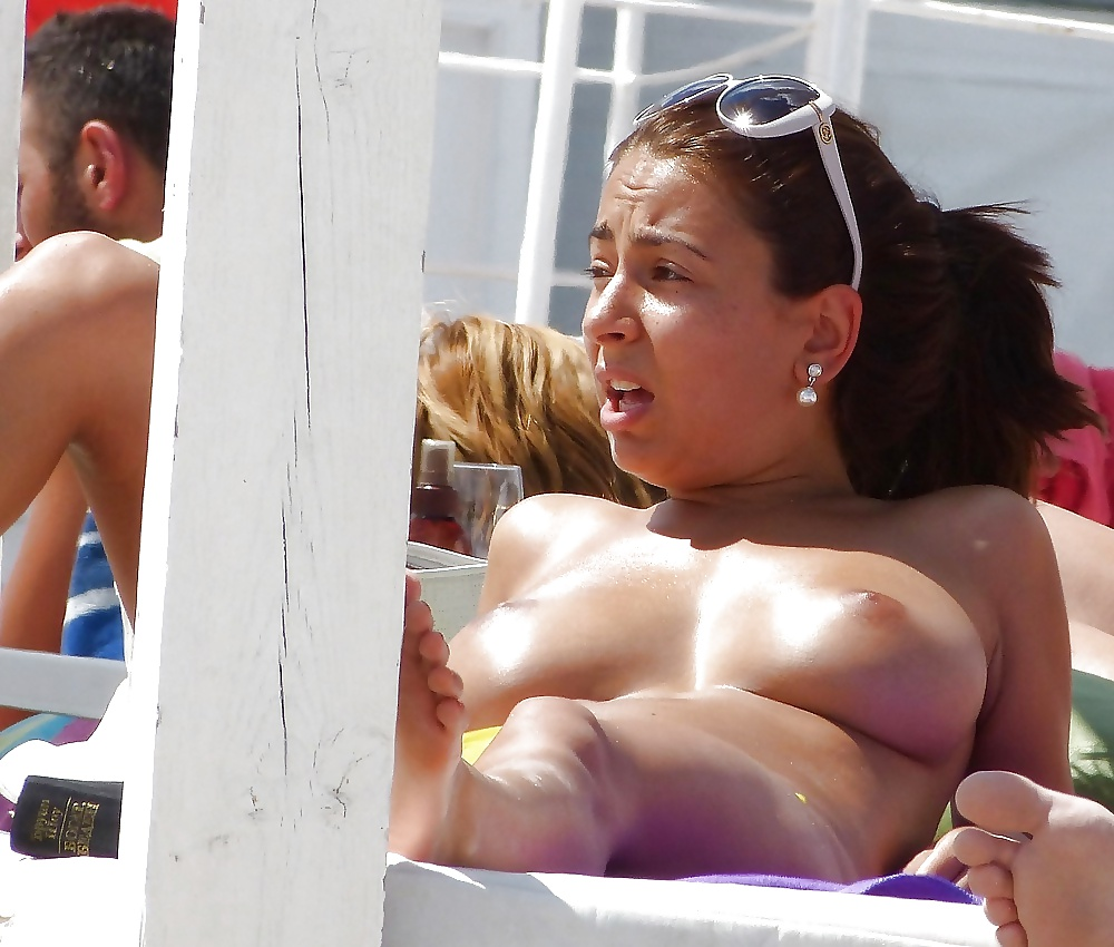 Unsuspecting busty girls caught topless