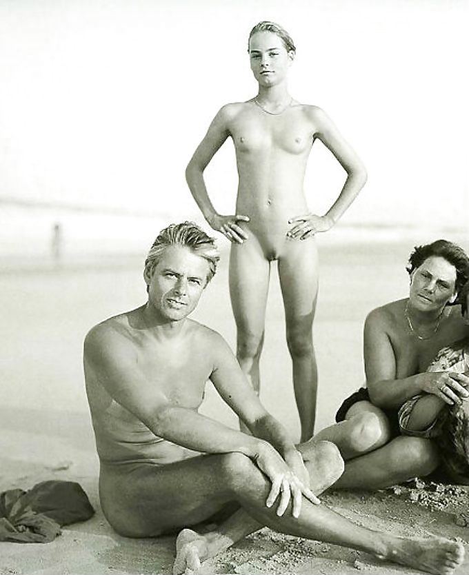naked-and-family-portrait