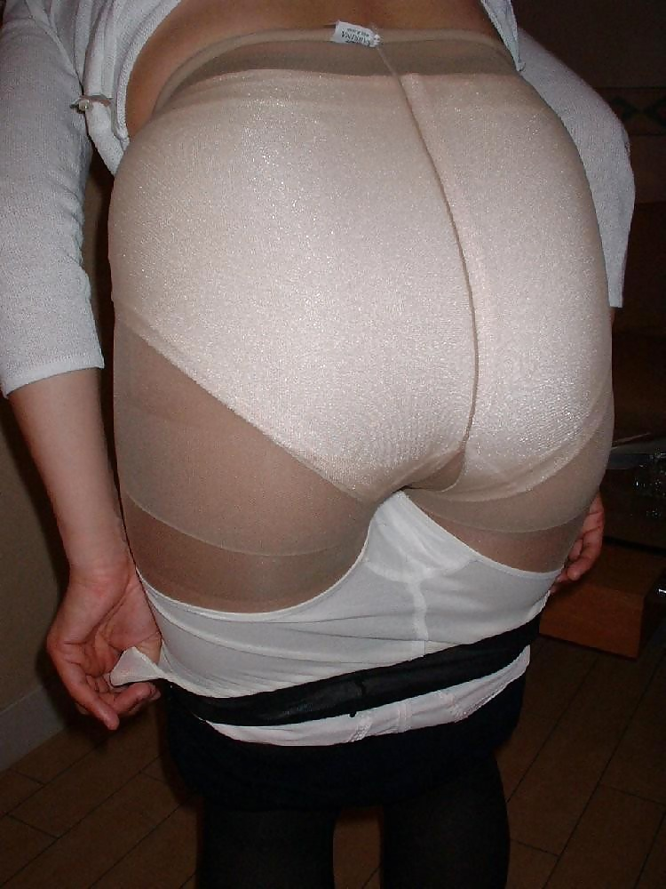 Mature full back panties free sex pics