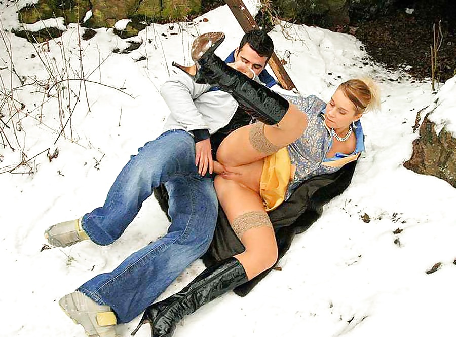 Girl gets fucked in snow