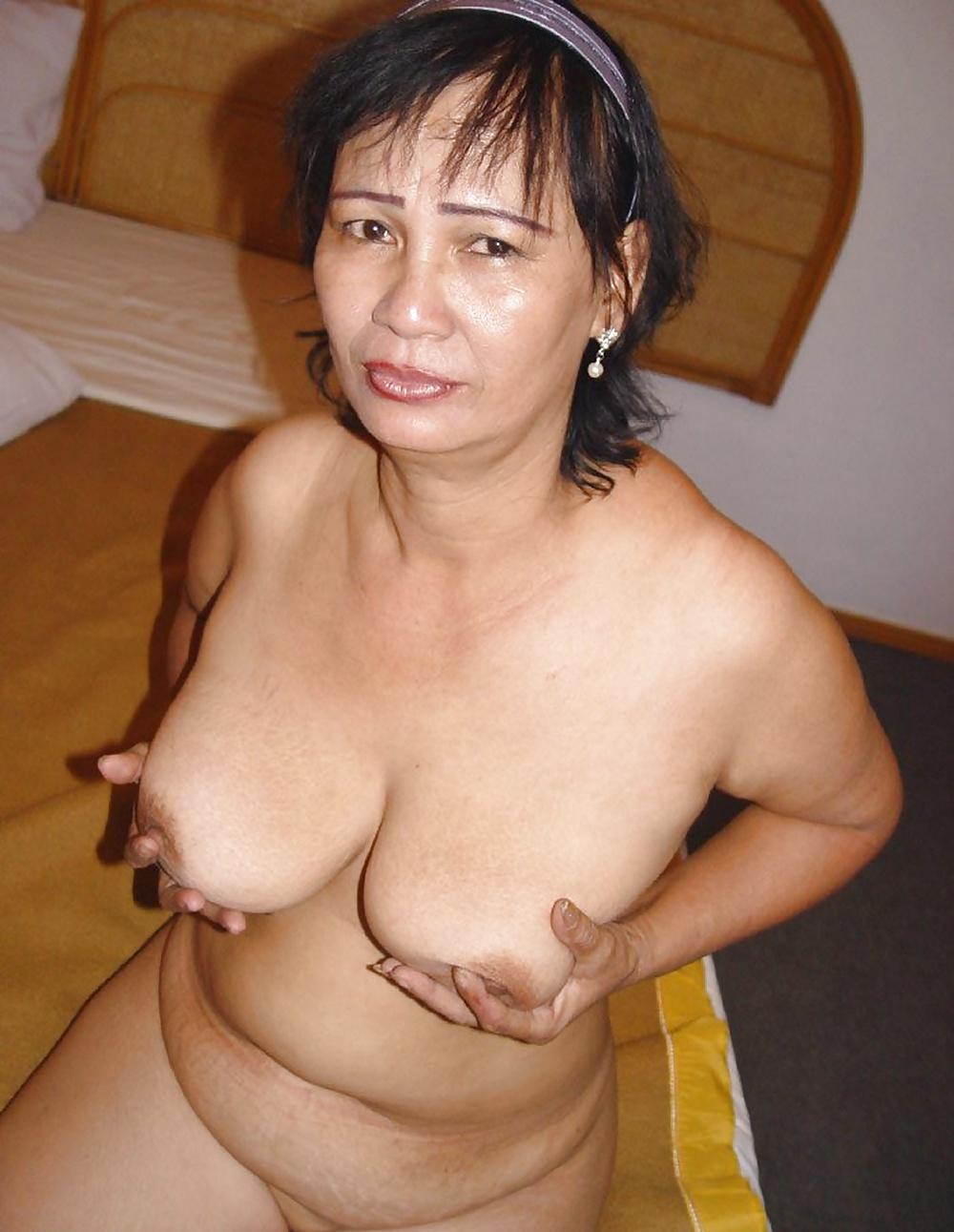 Busty Mature Women Photos