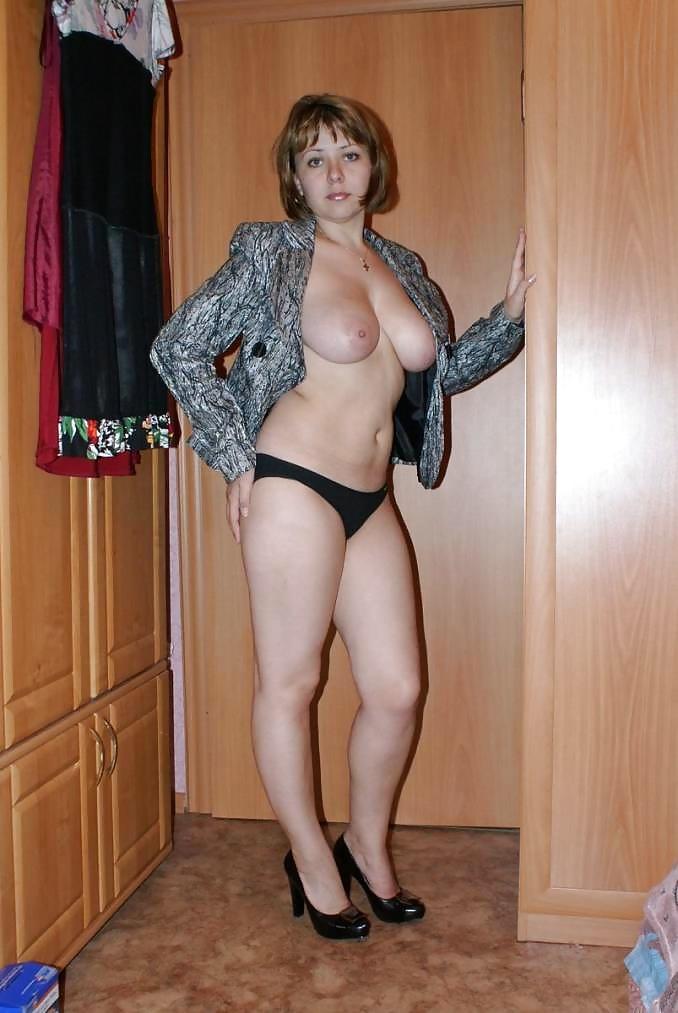 Домашние и любительские фото русских зрелых женщин с большой грудью, только в жопу без онлайн