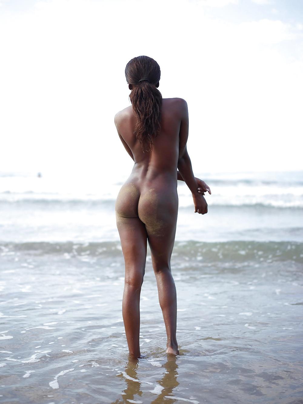 Nude thick black girl selfshot