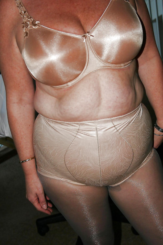 Жирные женщины в прозрачных трусиках фото