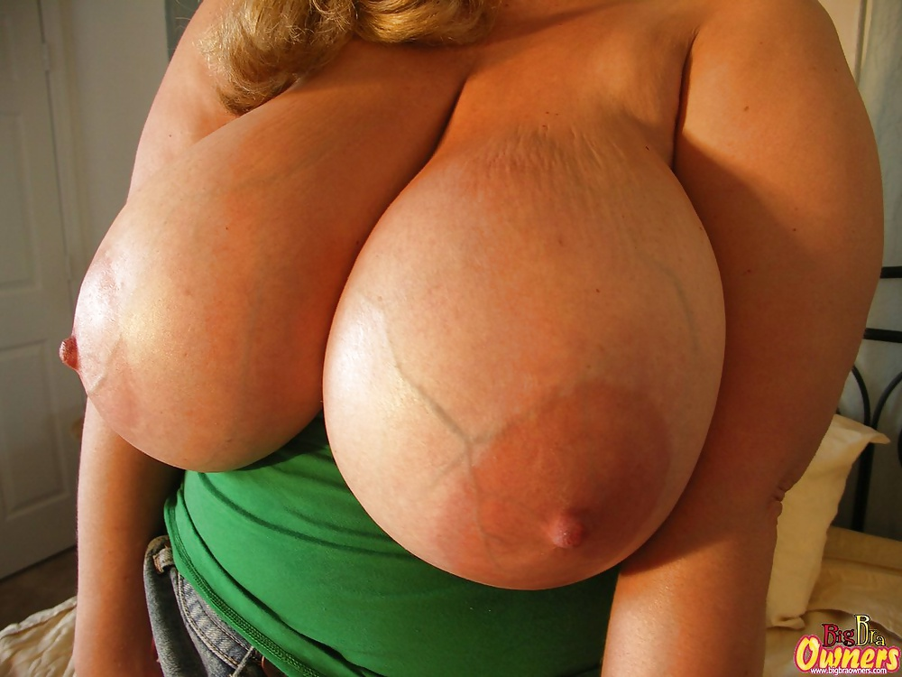 veiny-pics-of-tits-naked-fenale-porn-stars