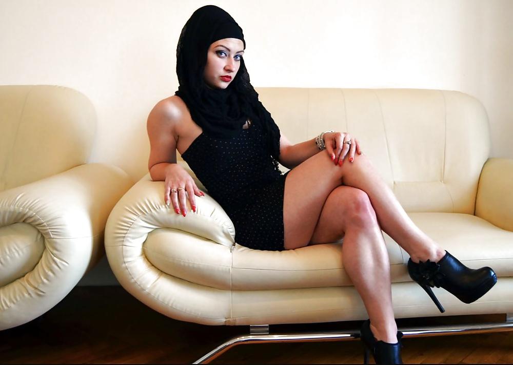 Milfsnaked videoporno arabia naughty busty lottie