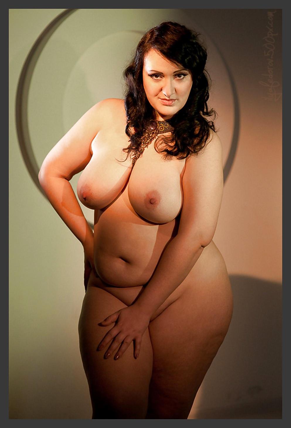 Bbw nude models standing