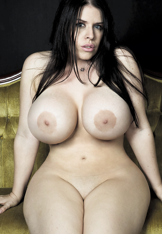 Naked curvy girls