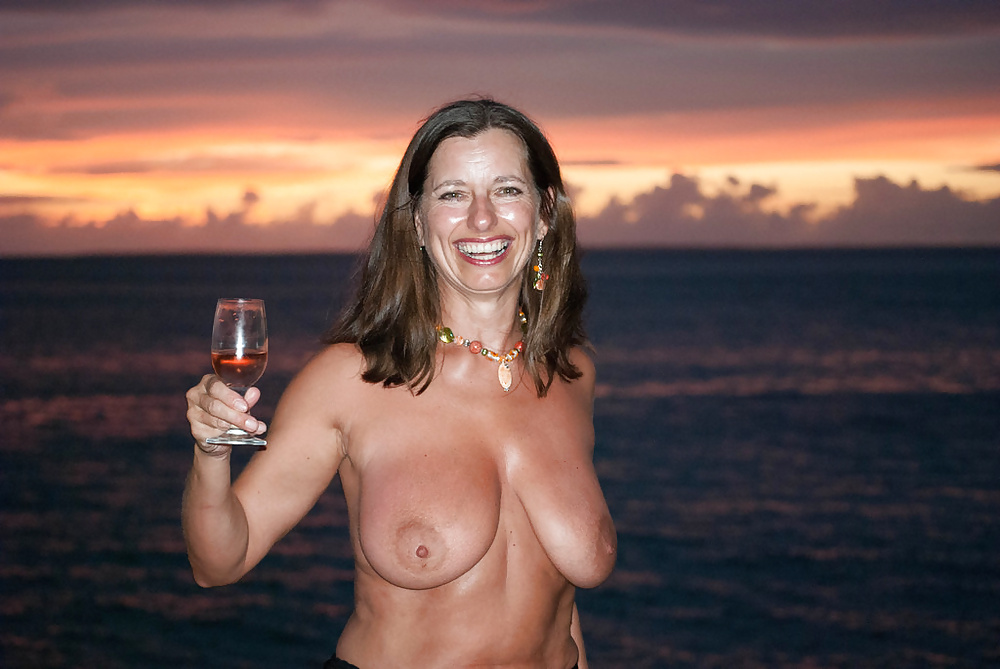 Sexy hot moms topless big breasts