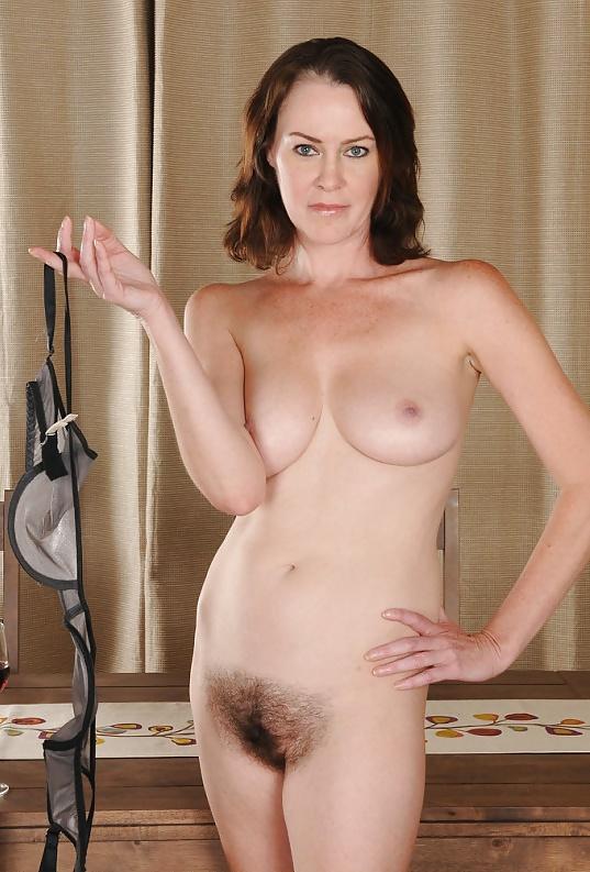 Волосатые голые мамочки