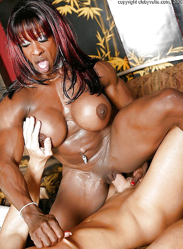 Hot bodybuilder girl fucked — photo 13