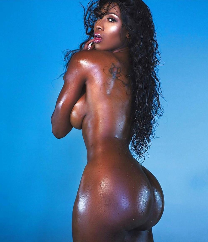 Gorgeous Ebony Chanel Skye
