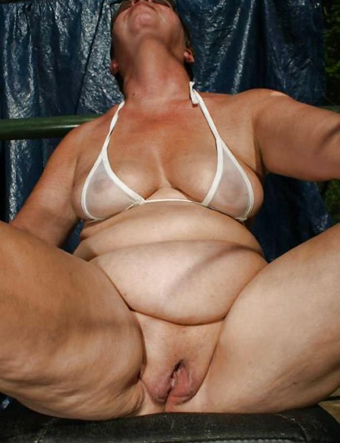 Upskirt for mature woman