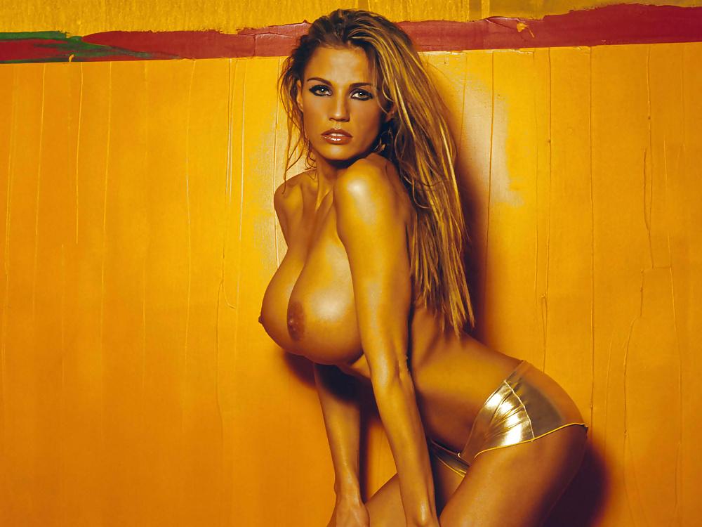 Naked jordan medley photo