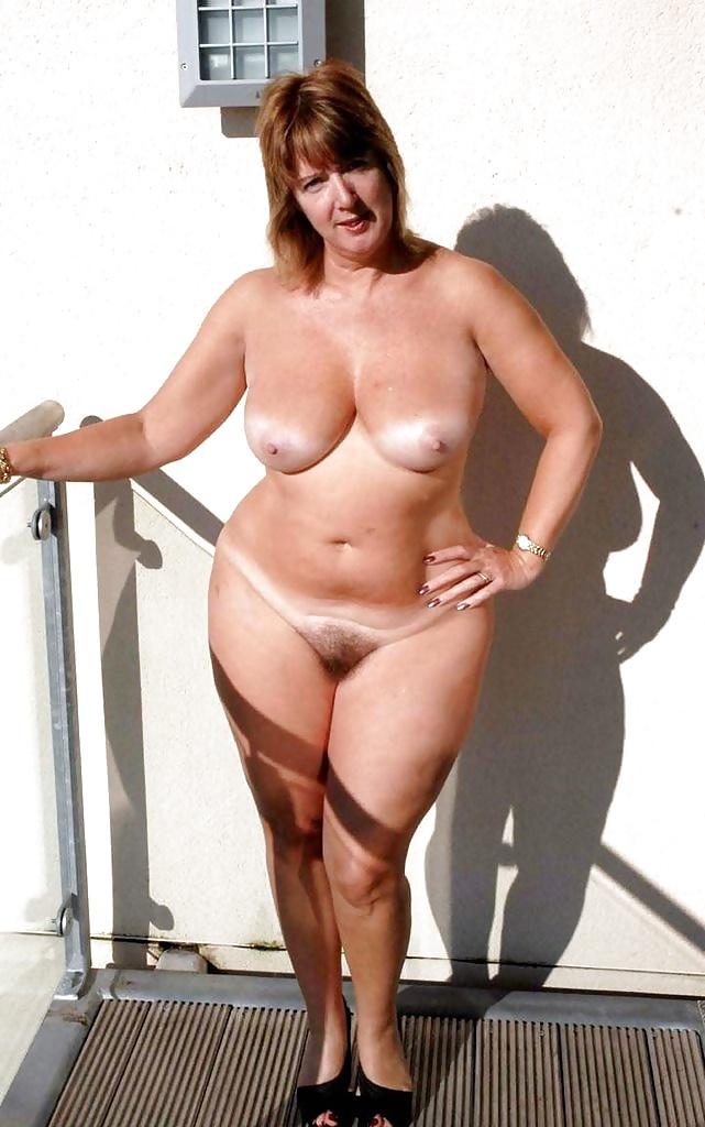 Full Figure Mature Naked