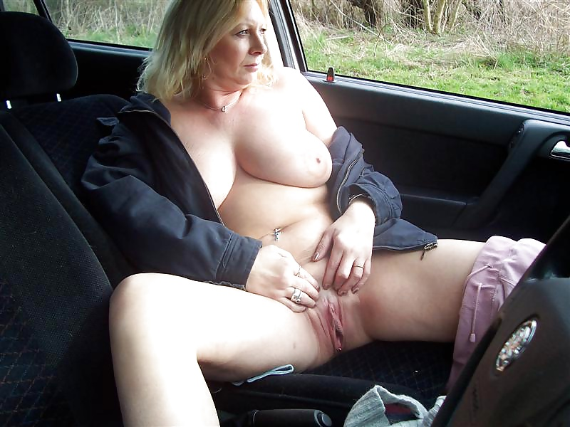 Homemade amateur nude in car