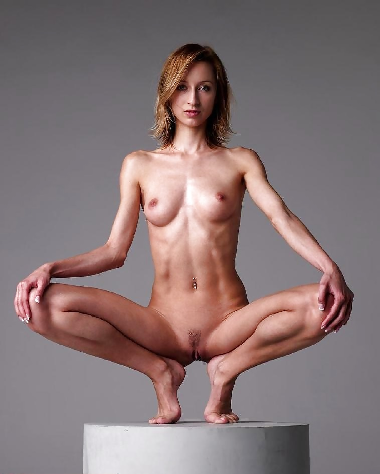 skinny-girls-flexing-nude-pussy