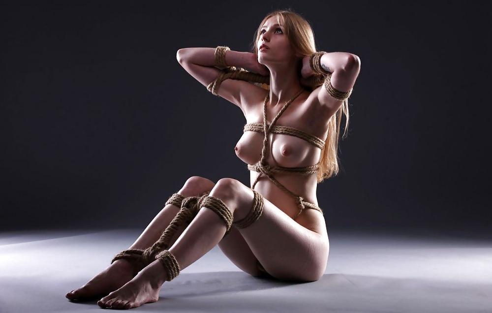 black-nude-bondage-demonstrations