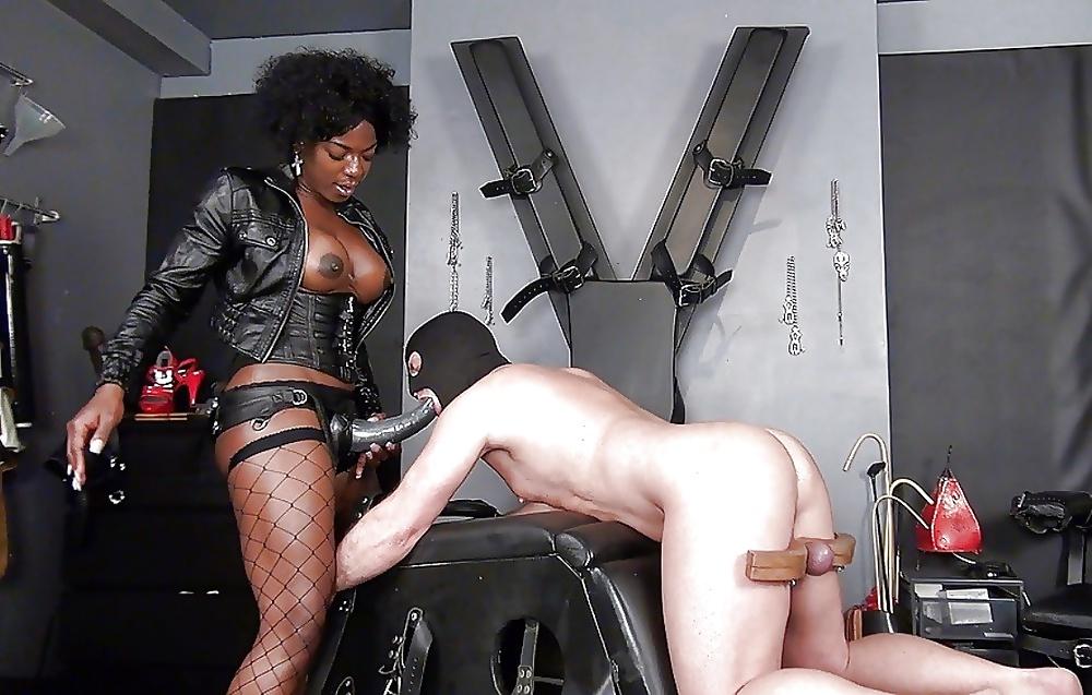 Black femdom ebony dominatrix