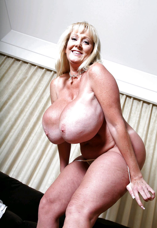 XXX big boobs mature pics on old breasts