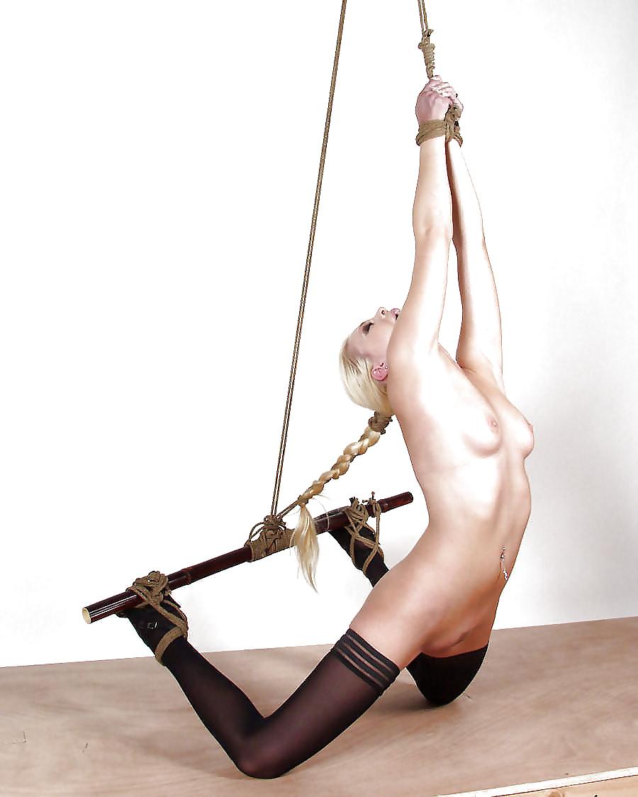 Uk bondage models