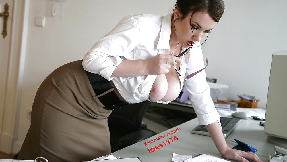 мега груди в офисе она