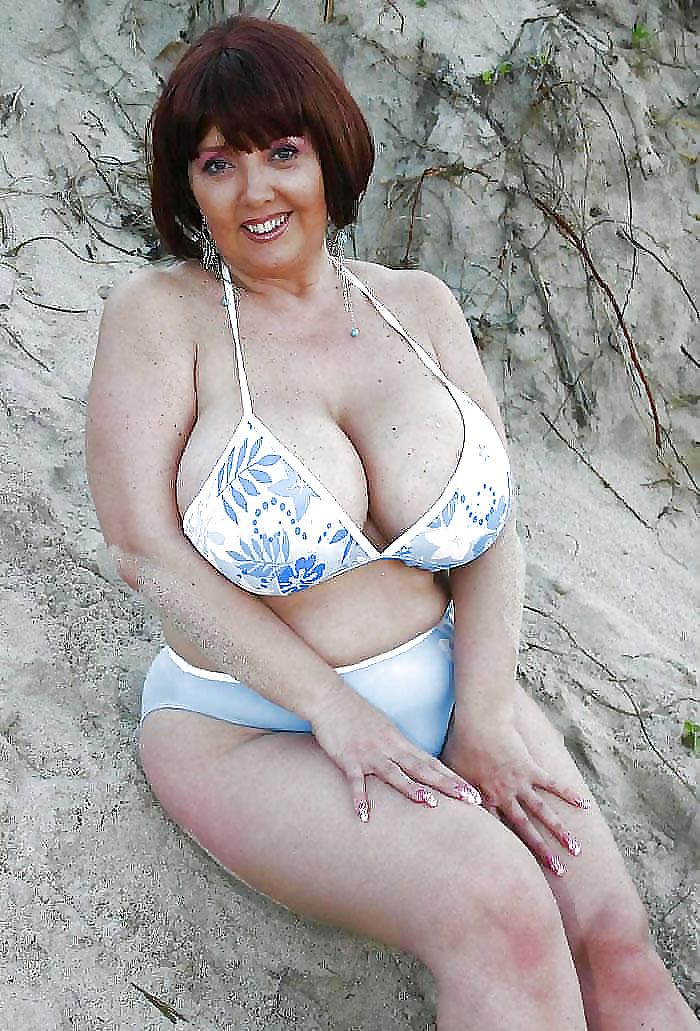 большая грудь женщины в возрасте - 12