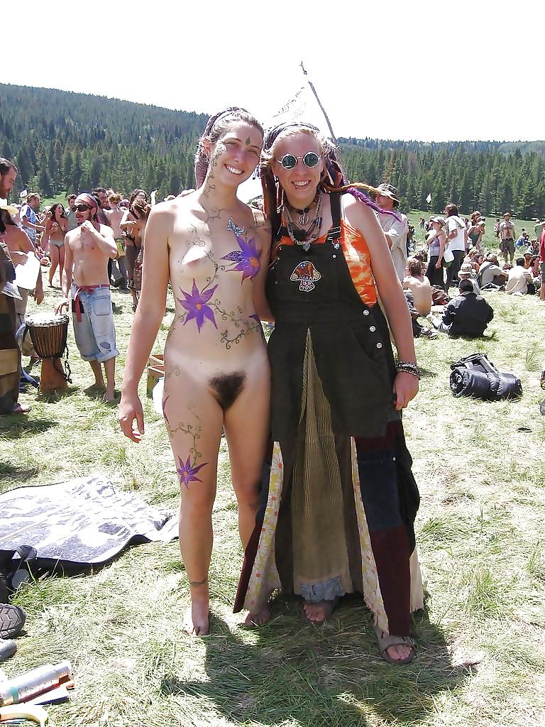 milton-hippies-topless-girls-pics