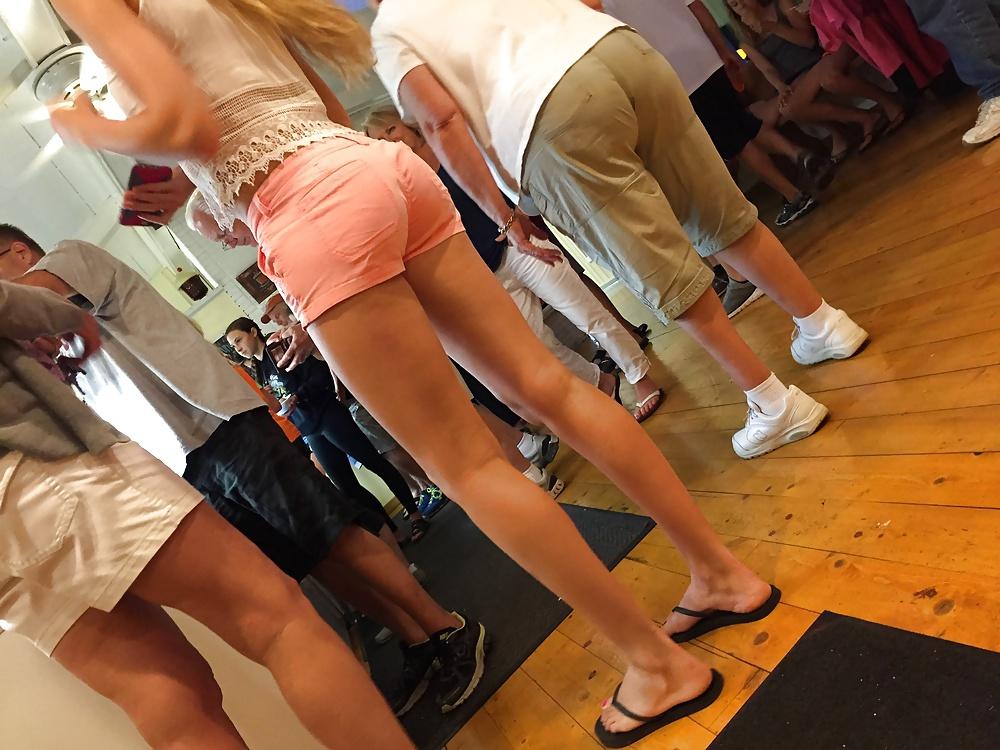 Shorts candid Short Shorts