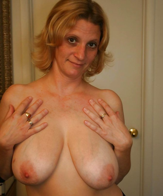голые зрелые женщины и сиськи фото отсоса