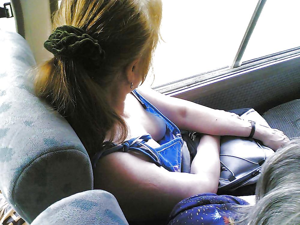 Видео видно грудь в автобусе