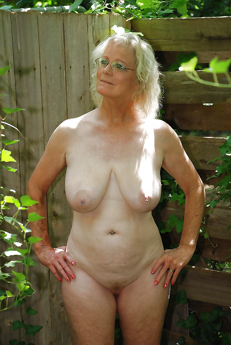 Покажите Обнаженных Голых Женщин Пожилых