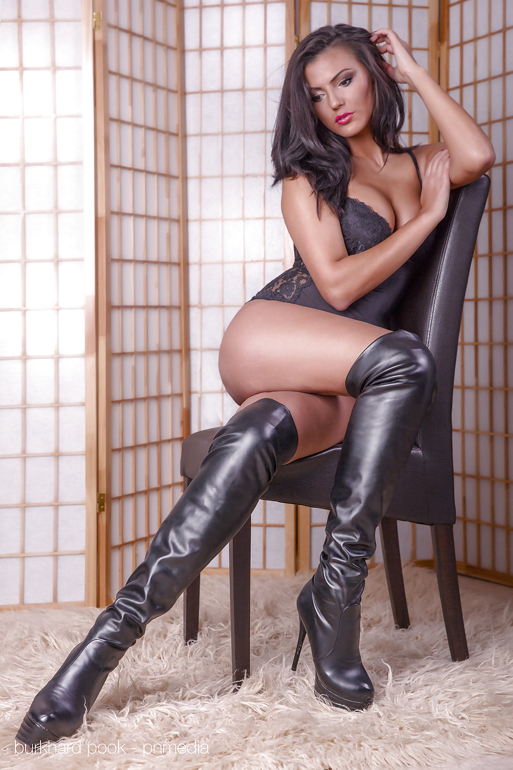 Thigh high boots pics and shemale porn images