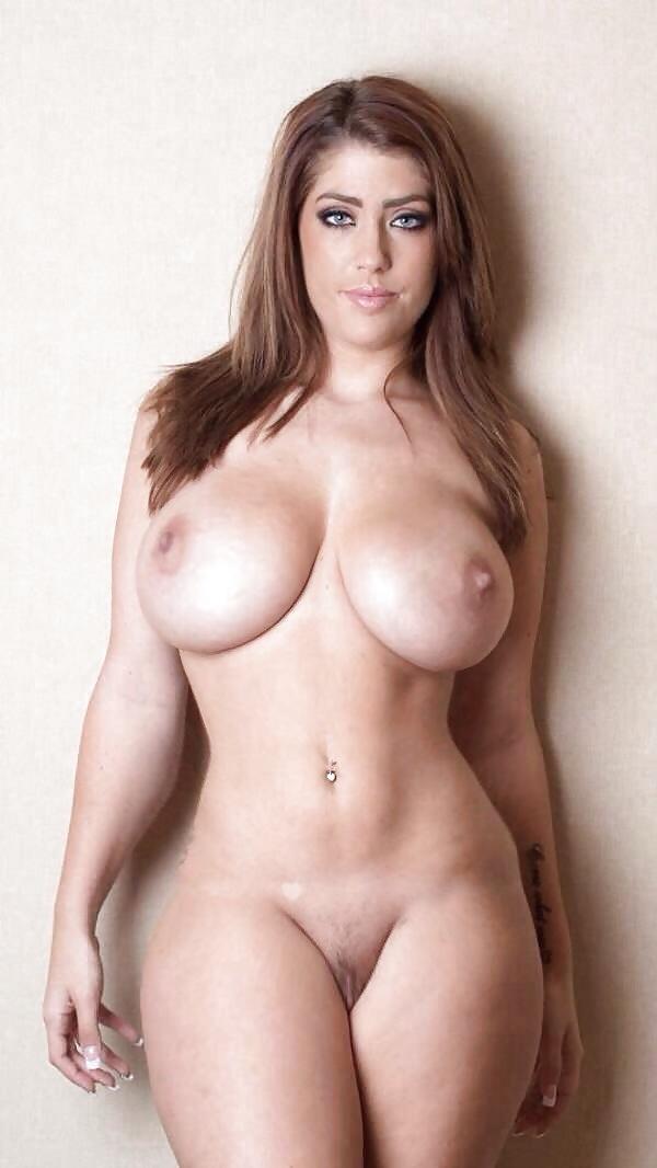 hot-nacked-curvy-girl-tyler-french-naked