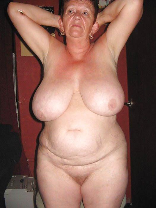 Дамы пожилые жирные голые видео