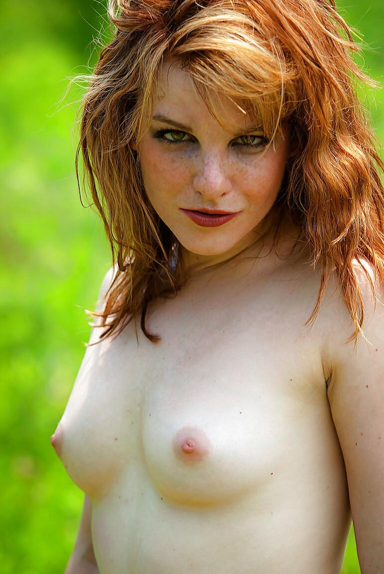 Alma sexy nude redhead