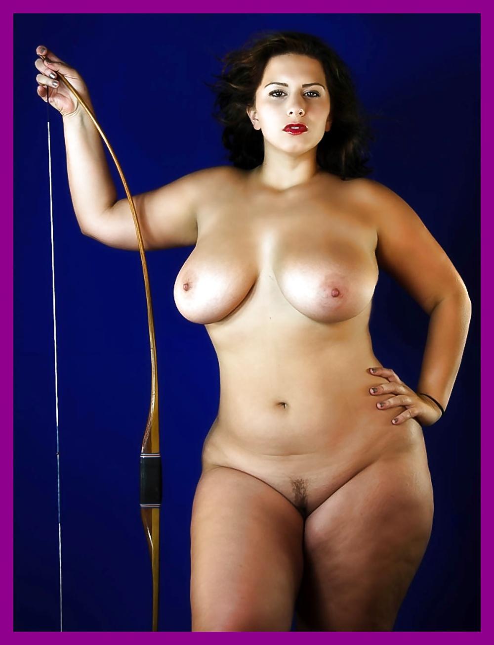Artistic nudes of mature full figured women — photo 8