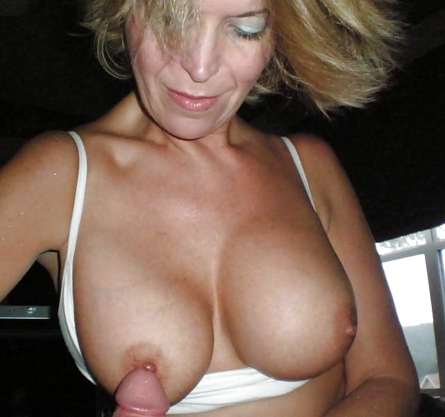 Mature Nipples Moms Porn